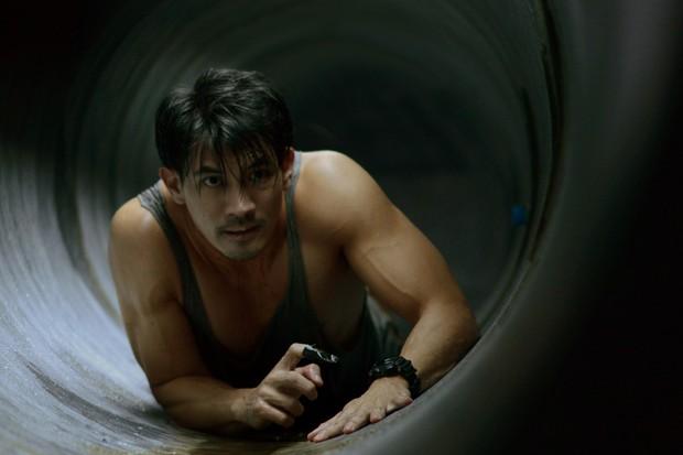 5 bộ phim gay cấn diễn ra trong không gian chật hẹp đến khó thở - Ảnh 5.
