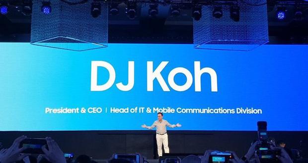 Smartphone màn hình gập của Samsung sẽ được hé lộ vào tháng tới, năm sau mới lên kệ - Ảnh 1.