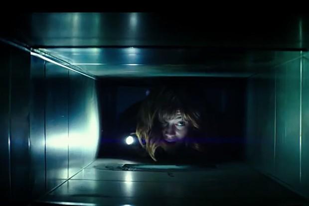 5 bộ phim gay cấn diễn ra trong không gian chật hẹp đến khó thở - Ảnh 3.