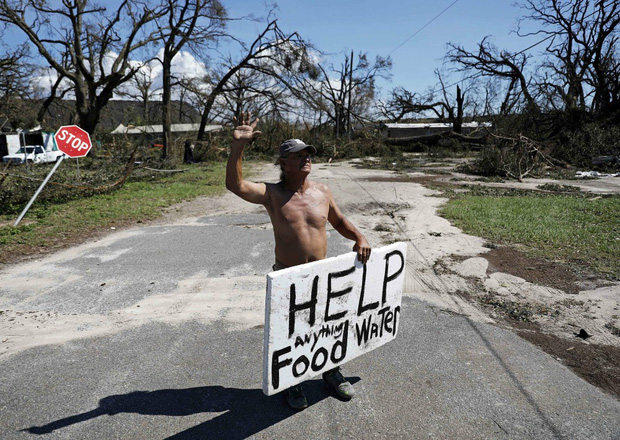 Ảnh, video: Siêu bão Michael tàn phá bờ nam nước Mỹ - Ảnh 3.