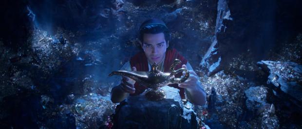 Tung trailer, Aladdin bản người đóng gây thất vọng với nhan sắc nam chính - Ảnh 1.