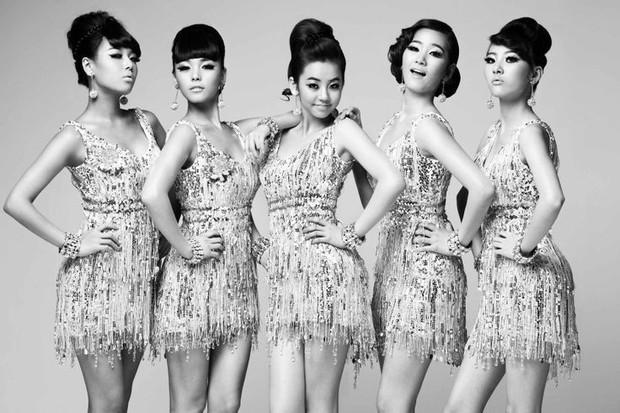 """10 girlgroup """"ẵm"""" nhiều cúp âm nhạc nhất: BLACKPINK mất hút, quán quân vẫn là 1 huyền thoại Kpop Gen 2 - Ảnh 6."""