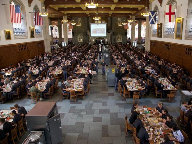 Khám phá bên trong Học viện Quân sự Hoa Kỳ, nơi đào tạo những công dân Mỹ hoàn hảo nhất - Ảnh 33.