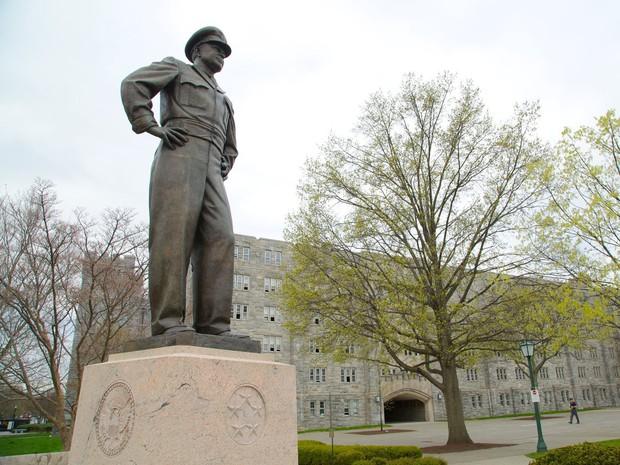 Khám phá bên trong Học viện Quân sự Hoa Kỳ, nơi đào tạo những công dân Mỹ hoàn hảo nhất - Ảnh 9.