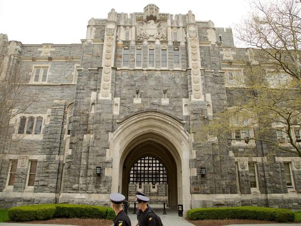Khám phá bên trong Học viện Quân sự Hoa Kỳ, nơi đào tạo những công dân Mỹ hoàn hảo nhất - Ảnh 13.