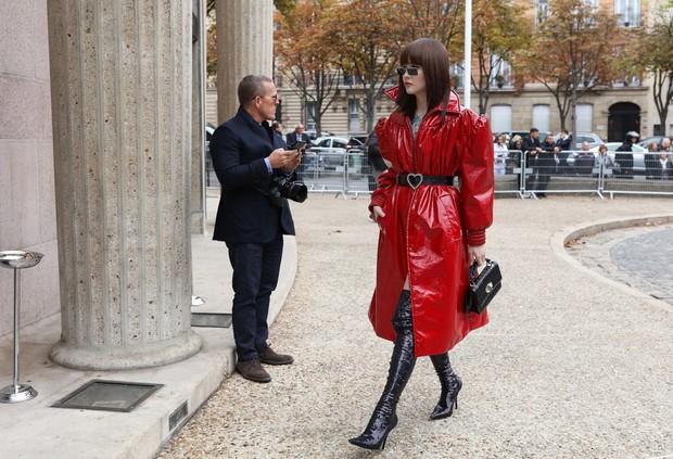 Nhìn qua loạt street style đỉnh nhất Tuần lễ thời trang Xuân-Hè 2019, chắt lọc được ngay 8 xu hướng này - Ảnh 7.