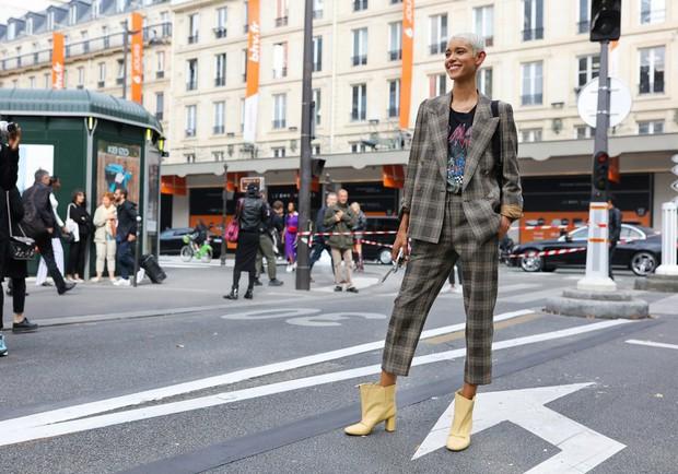 Nhìn qua loạt street style đỉnh nhất Tuần lễ thời trang Xuân-Hè 2019, chắt lọc được ngay 8 xu hướng này - Ảnh 11.