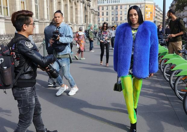 Nhìn qua loạt street style đỉnh nhất Tuần lễ thời trang Xuân-Hè 2019, chắt lọc được ngay 8 xu hướng này - Ảnh 1.