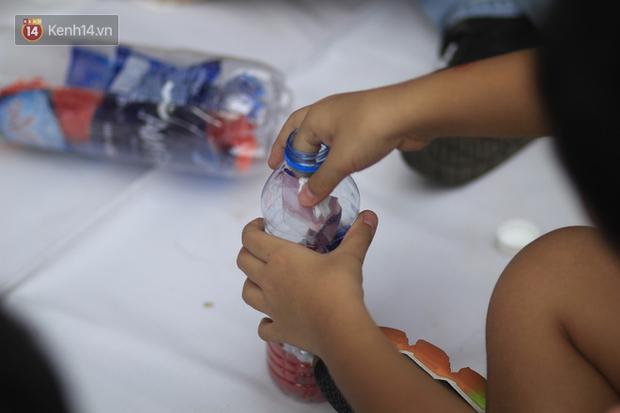 Làm gạch từ túi ni lông, không sử dụng chai nhựa 1 lần... học sinh ngày nay biết nghĩ cho môi trường đến mức người lớn cũng phải ghen tỵ - Ảnh 6.