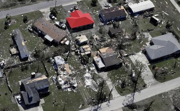 Khung cảnh tan hoang sau bão Michael nhìn từ trên cao - Ảnh 11.