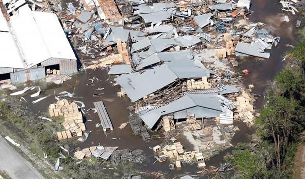 Khung cảnh tan hoang sau bão Michael nhìn từ trên cao - Ảnh 16.