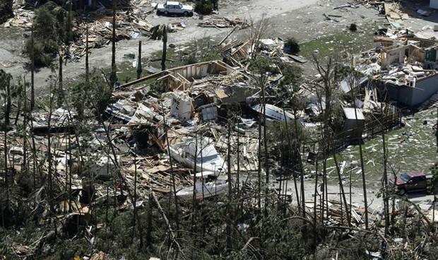Khung cảnh tan hoang sau bão Michael nhìn từ trên cao - Ảnh 19.