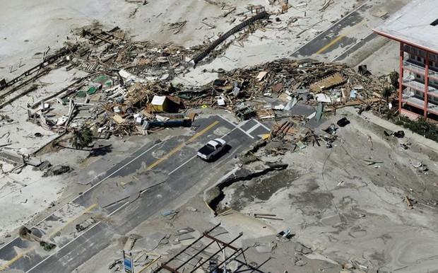 Khung cảnh tan hoang sau bão Michael nhìn từ trên cao - Ảnh 22.