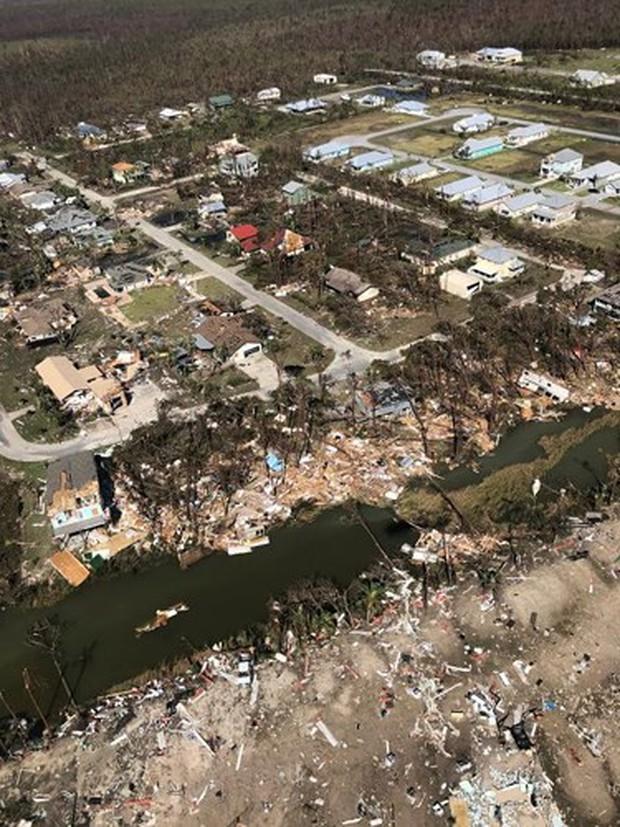 Khung cảnh tan hoang sau bão Michael nhìn từ trên cao - Ảnh 27.