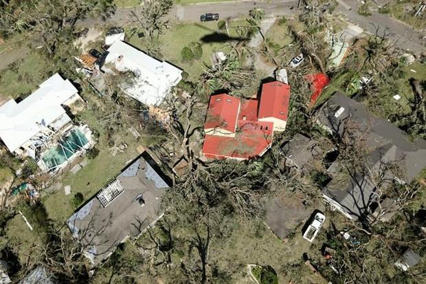 Khung cảnh tan hoang sau bão Michael nhìn từ trên cao - Ảnh 4.