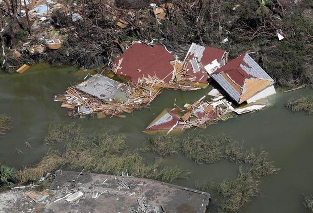 Khung cảnh tan hoang sau bão Michael nhìn từ trên cao - Ảnh 6.