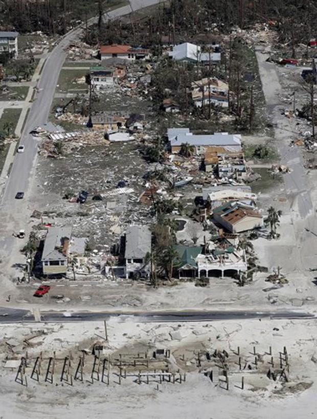 Khung cảnh tan hoang sau bão Michael nhìn từ trên cao - Ảnh 9.