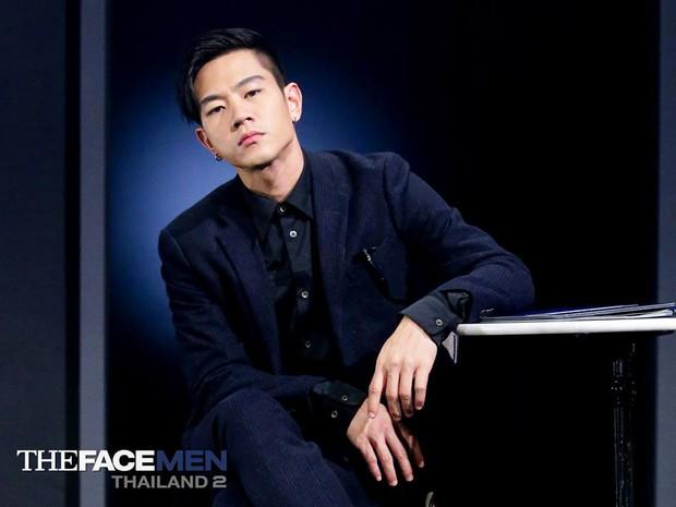 Vừa bật khóc nức nở, HLV The Face Men Thái lại thay đổi 180 độ nhanh chóng cười tươi - Ảnh 2.