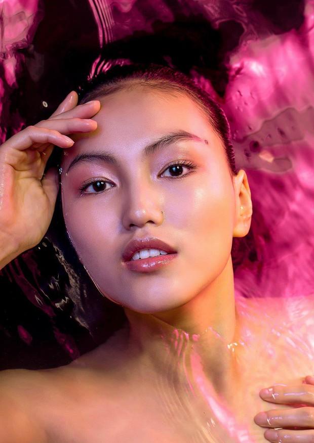 Chụp hình chân dung dưới nước, Next Top Mông Cổ liệu có vượt qua phiên bản Việt Nam? - Ảnh 4.