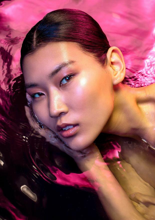 Chụp hình chân dung dưới nước, Next Top Mông Cổ liệu có vượt qua phiên bản Việt Nam? - Ảnh 1.
