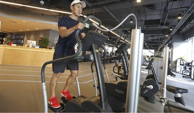Phòng gym ở Trung Quốc phải lọc không khí và bơm thêm oxy để chống lại ô nhiễm - Ảnh 2.