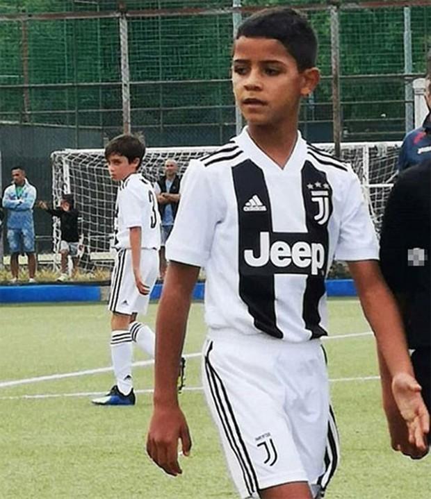 Con trai trưởng nhà Ronaldo độc diễn ghi bàn đẳng cấp cho đội trẻ Juventus - Ảnh 2.