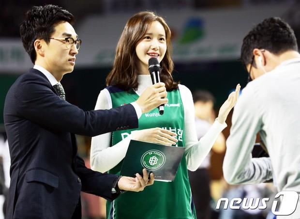 28 tuổi mà trẻ đẹp như 18, Yoona sắp soán ngôi thánh hack tuổi đỉnh nhất SNSD của Taeyeon mất rồi - Ảnh 4.