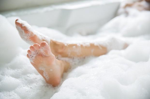 5 thói quen vệ sinh gây nguy hại tới sức khỏe mà bạn cần tránh mắc phải - Ảnh 2.