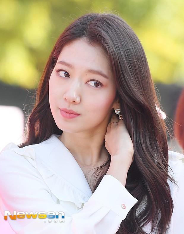 Cứ bảo nhan sắc Park Shin Hye quá thường, nhưng loạt ảnh đẹp mê mẩn của cô hôm nay lại chứng tỏ điều ngược lại - Ảnh 9.