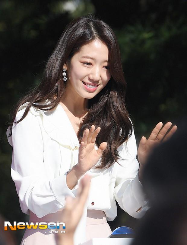 Cứ bảo nhan sắc Park Shin Hye quá thường, nhưng loạt ảnh đẹp mê mẩn của cô hôm nay lại chứng tỏ điều ngược lại - Ảnh 7.
