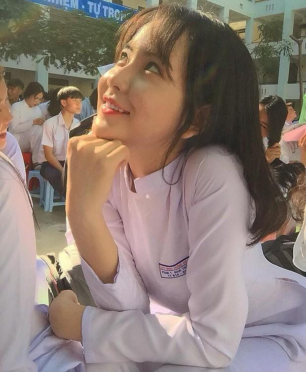 Loạt nữ sinh hot nhất nhì THPT Bình Hưng Hoà (TP. HCM): Xinh đẹp và vóc dáng cực nổi bật - Ảnh 12.