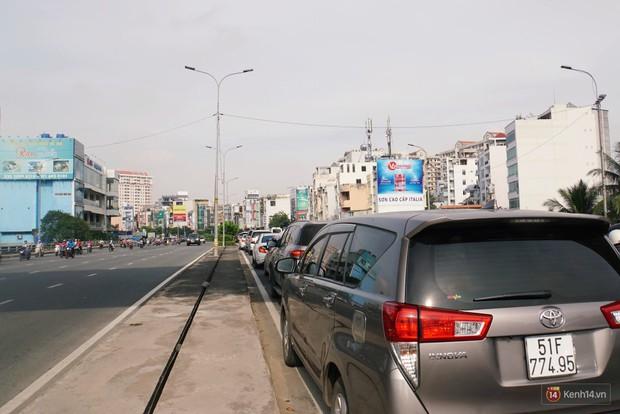 Hầm Thủ Thiêm bị phong tỏa, các tuyến đường về Sài Gòn bị tê liệt - Ảnh 20.
