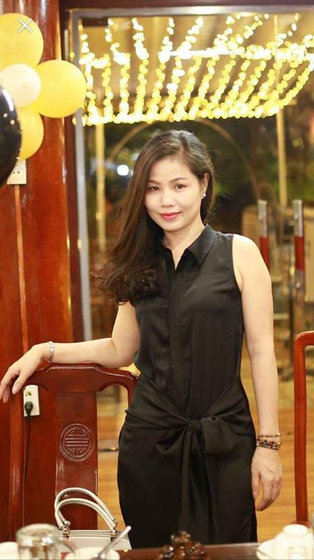 Cùng diện váy gợi cảm, mẹ Nam Thương được khen mặc xinh chẳng kém con gái - Ảnh 9.