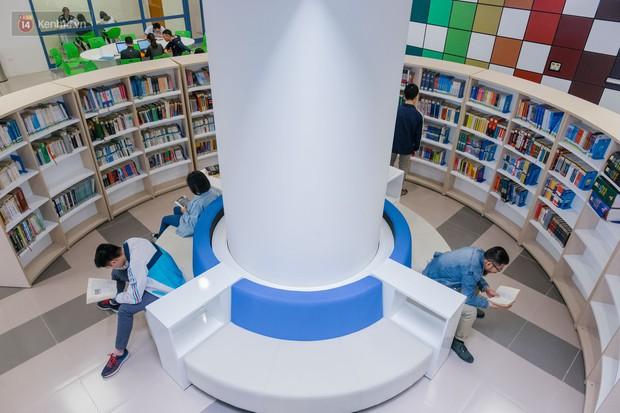 Thư viện các trường Đại học ở Việt Nam: Nơi sang chảnh 129 tỷ đồng, nơi đẹp đến mức đứng đâu cũng ra ảnh nghìn like - Ảnh 7.