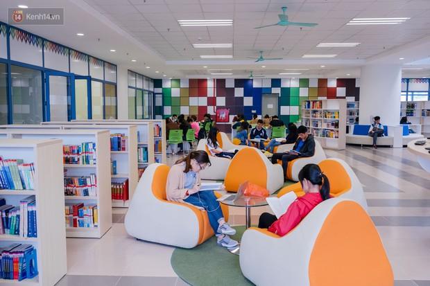 Thư viện các trường Đại học ở Việt Nam: Nơi sang chảnh 129 tỷ đồng, nơi đẹp đến mức đứng đâu cũng ra ảnh nghìn like - Ảnh 2.