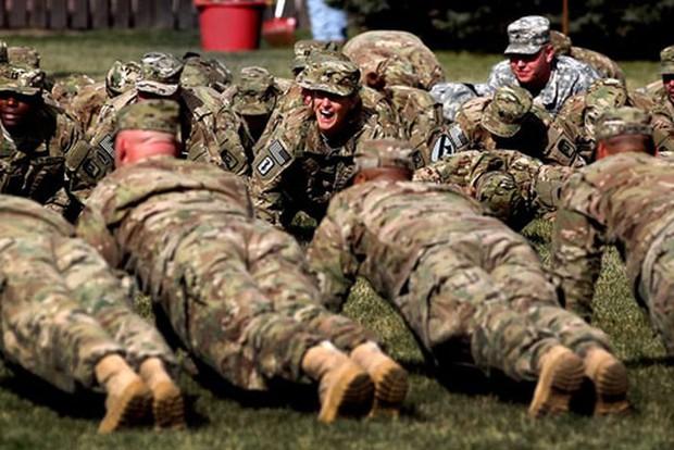 Nạn béo phì, thách thức lớn với quân đội Mỹ - Ảnh 1.