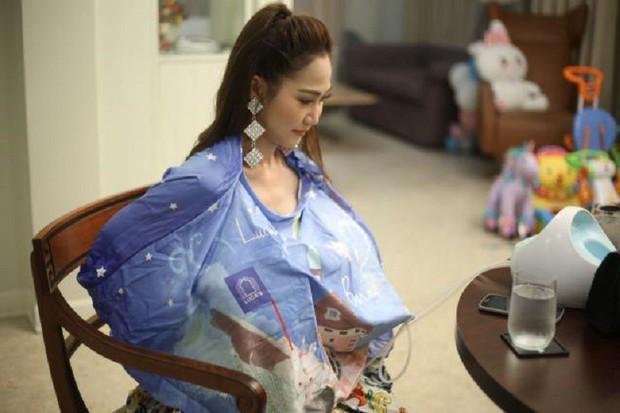 Hot mom Thái Lan đem 15 tủ lạnh chứa đầy sữa của chính mình đi quyên góp từ thiện gây tranh cãi lớn trên MXH - Ảnh 1.
