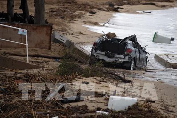 Ít nhất 6 người thiệt mạng trong đợt lũ quét tại Pháp - Ảnh 1.