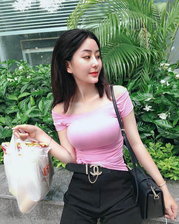 Loạt nữ sinh hot nhất nhì THPT Bình Hưng Hoà (TP. HCM): Xinh đẹp và vóc dáng cực nổi bật - Ảnh 2.