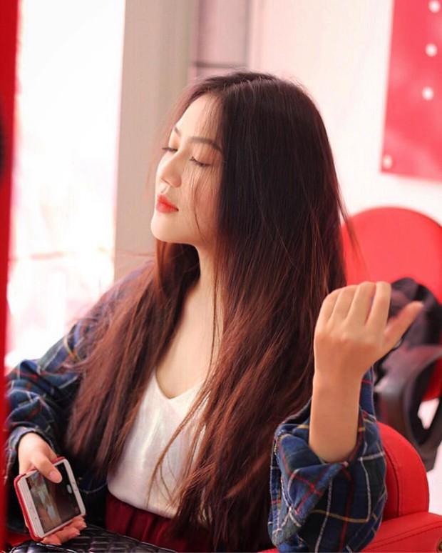 Loạt nữ sinh hot nhất nhì THPT Bình Hưng Hoà (TP. HCM): Xinh đẹp và vóc dáng cực nổi bật - Ảnh 8.