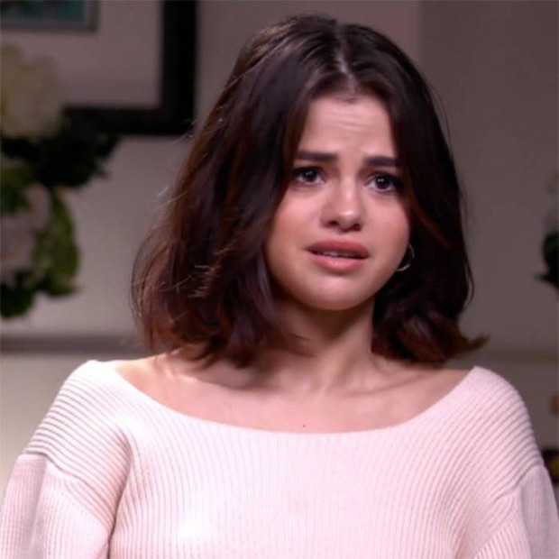 Selena Gomez sợ hãi và khóc rất nhiều khi điều trị tại bệnh viện - Ảnh 1.