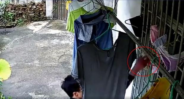 Bắt tên biến thái trộm áo ngực phụ nữ ở chung cư Sài Gòn - Ảnh 1.