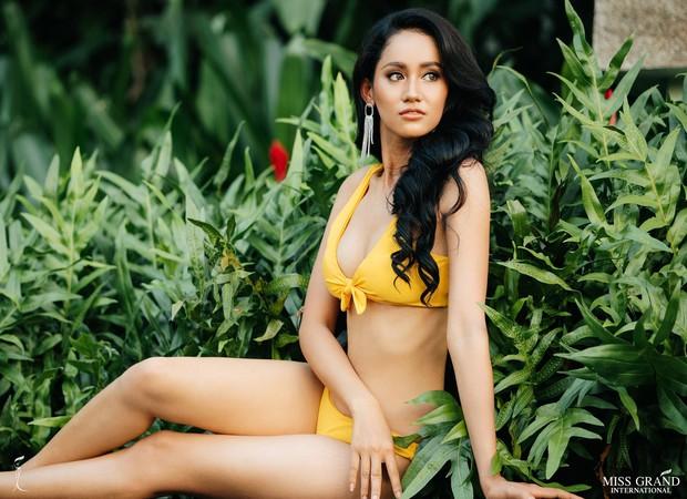 Phương Nga khoe body nóng bỏng, ngồi vị trí trung tâm trong bộ ảnh bikini tại Miss Grand International 2018 - Ảnh 4.