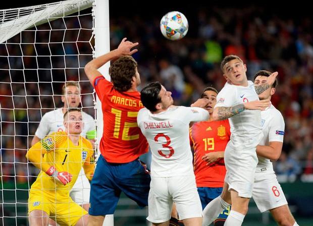 Cặp chân gỗ bất ngờ thay nhau sáng lòa, ĐT Anh xuất sắc hạ gục Tây Ban Nha 3-2 - Ảnh 2.