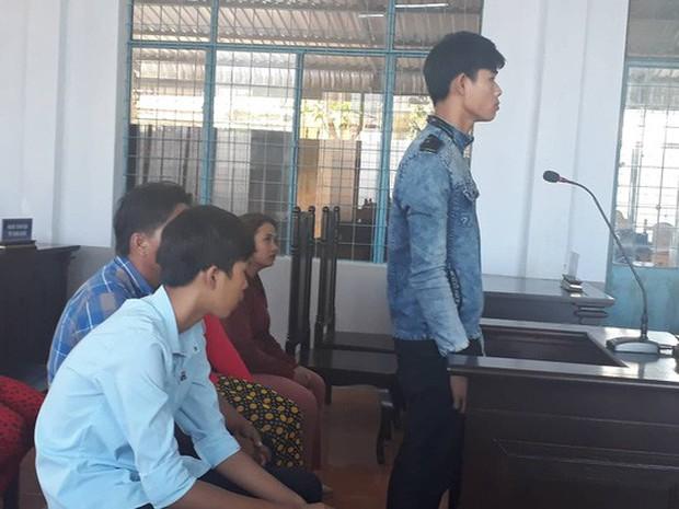 Vụ đánh ghen tàn bạo ở Cà Mau: Truy người tung clip lên mạng - Ảnh 3.