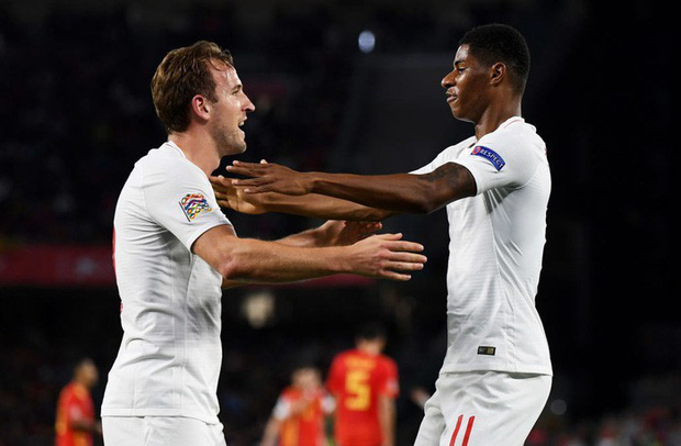 Cặp chân gỗ bất ngờ thay nhau sáng lòa, ĐT Anh xuất sắc hạ gục Tây Ban Nha 3-2 - Ảnh 6.