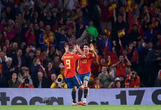 Cặp chân gỗ bất ngờ thay nhau sáng lòa, ĐT Anh xuất sắc hạ gục Tây Ban Nha 3-2 - Ảnh 8.