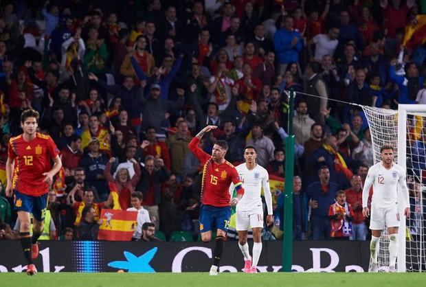 Cặp chân gỗ bất ngờ thay nhau sáng lòa, ĐT Anh xuất sắc hạ gục Tây Ban Nha 3-2 - Ảnh 10.