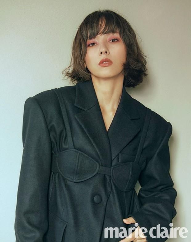 Sau Song Hye Kyo, nữ hoàng gợi cảm Lee Hyori cũng lột xác ngoạn mục, đẹp đỉnh cao với mái tóc ngắn mới toanh - Ảnh 2.