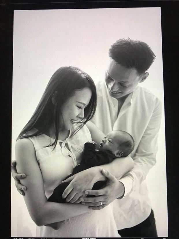 Nhật Anh Trắng lên chức bố, đón con gái đầu lòng  - Ảnh 2.